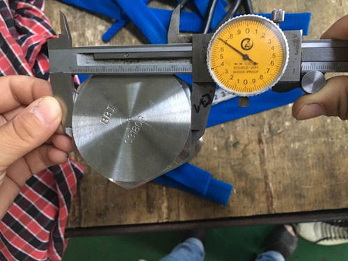S31803 Test de dimension de vis à tête hexagonale